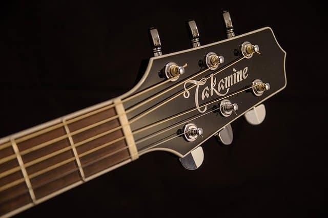 cabeza de guitarra acustica