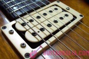 cómo cambiar las cuerdas de una guitarra eléctrica